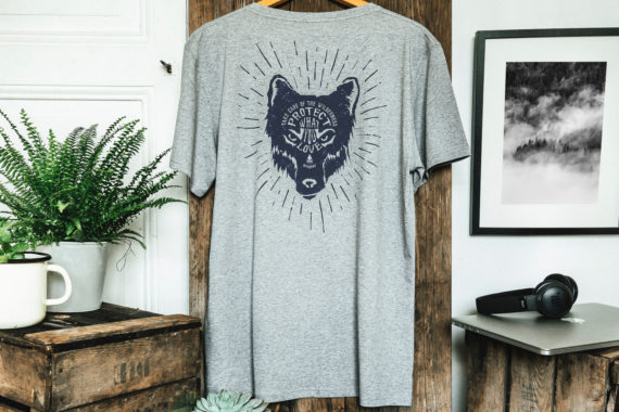 T-shirt homme bio - loup - Petit Bivouac - Take care of the wilderness