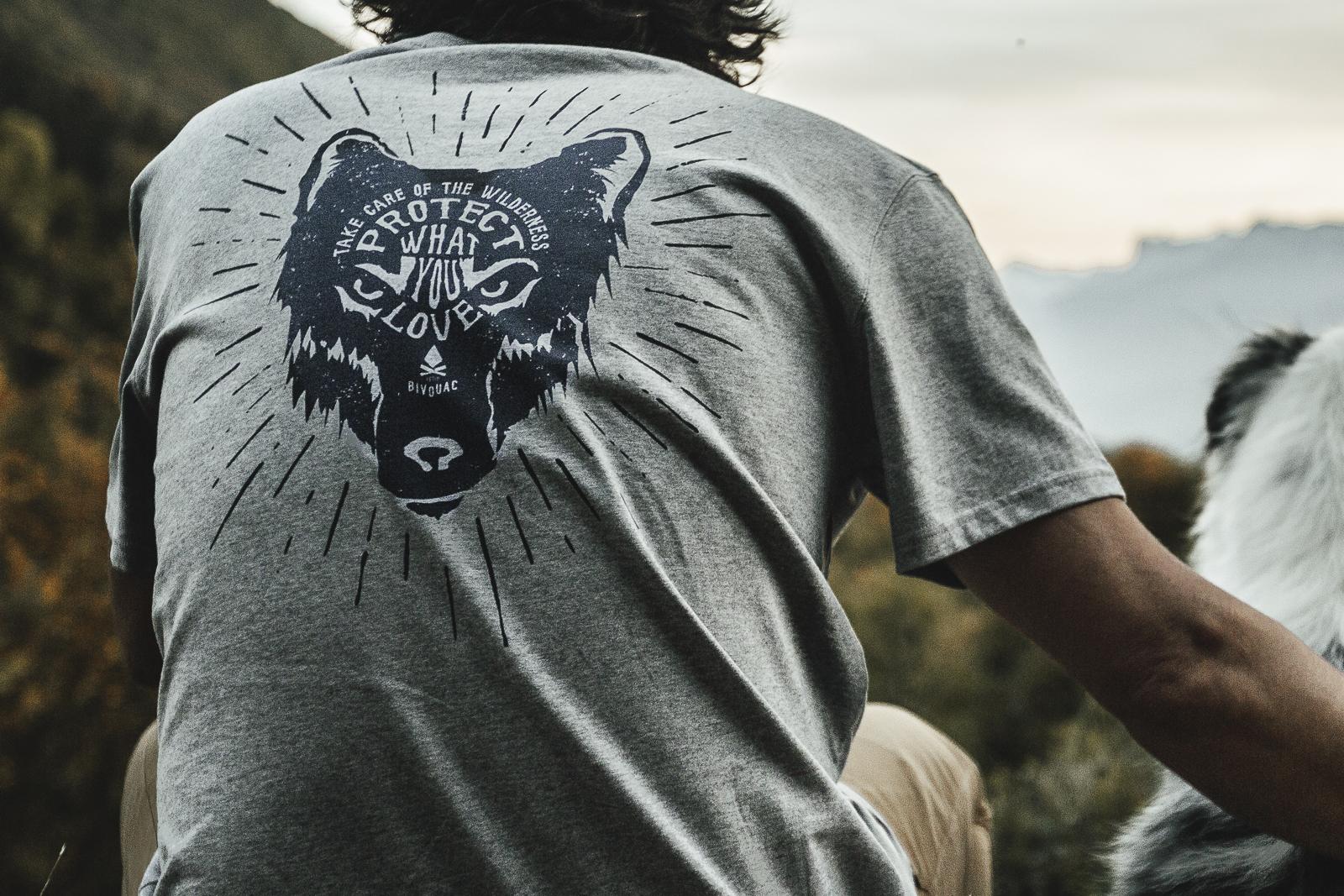 T-shirt homme bio – Loup – Gris rocher chiné – Petit Bivouac