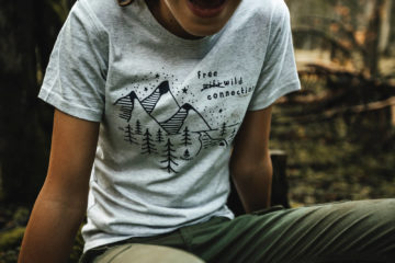 T shirt enfant Bio - Free wild connection - Gris galet chiné - Petit Bivouac