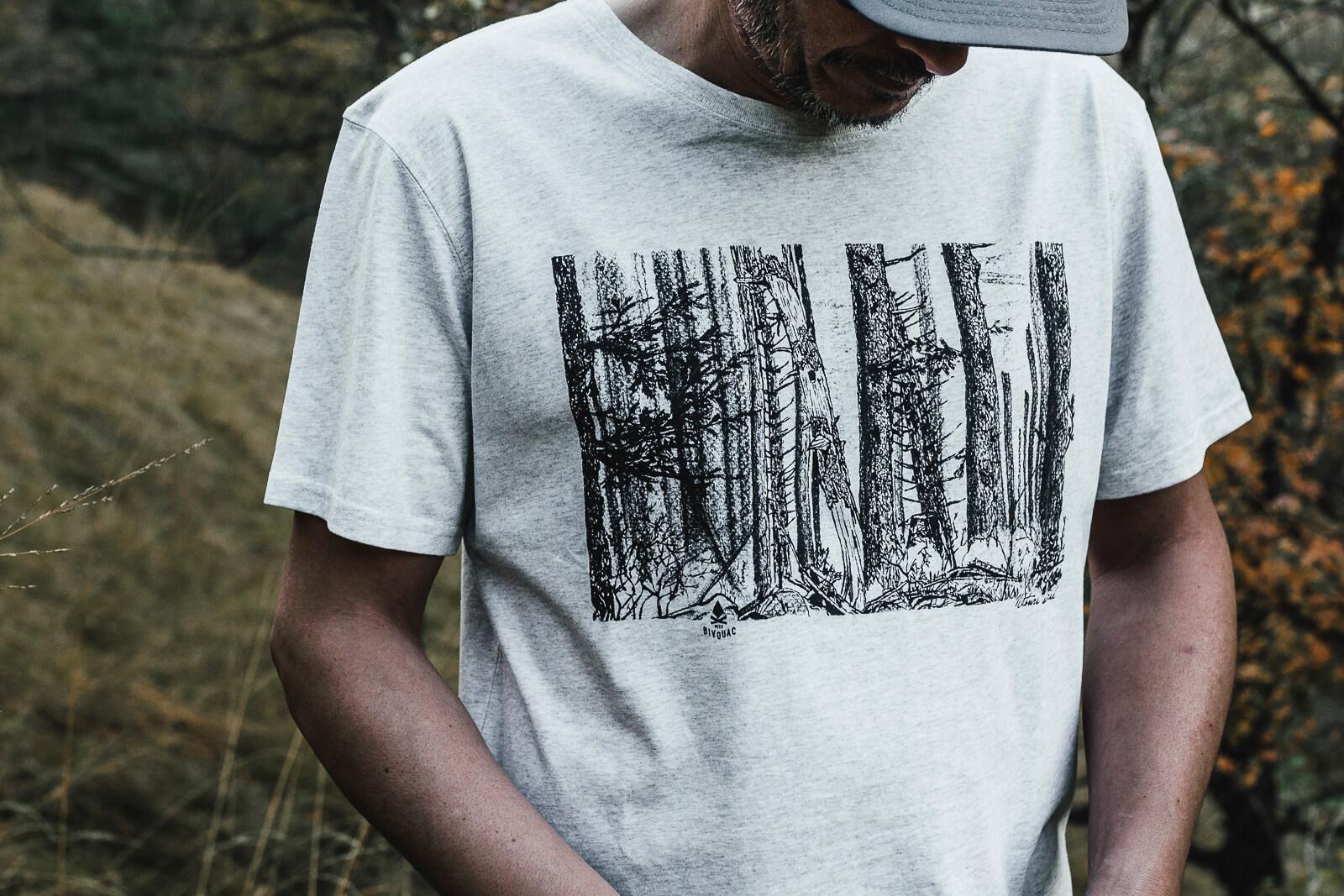 T-shirt homme Bio – Forêt – Gris galet chiné – Petit Bivouac