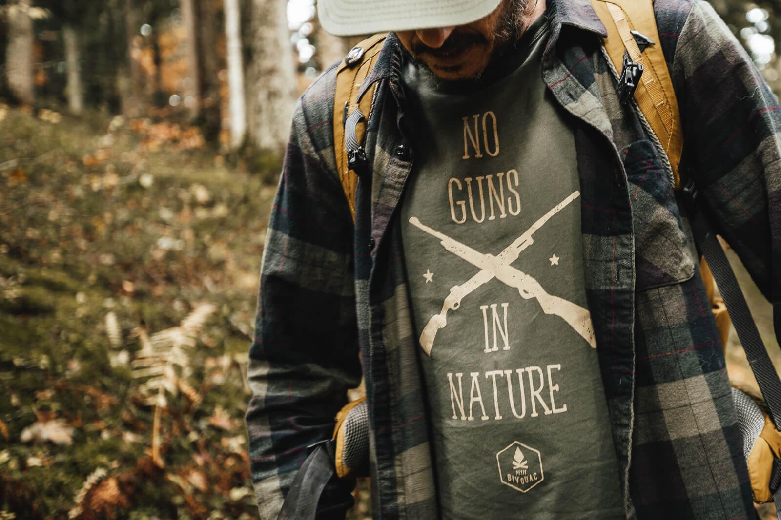 T-Shirt homme Bio – No Guns – Vert mousse – Petit Bivouac